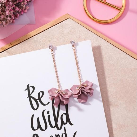 Unique Zone Jewelry - ❤️️NEW UNIQUE Flower Petal Handmade Earrings P4